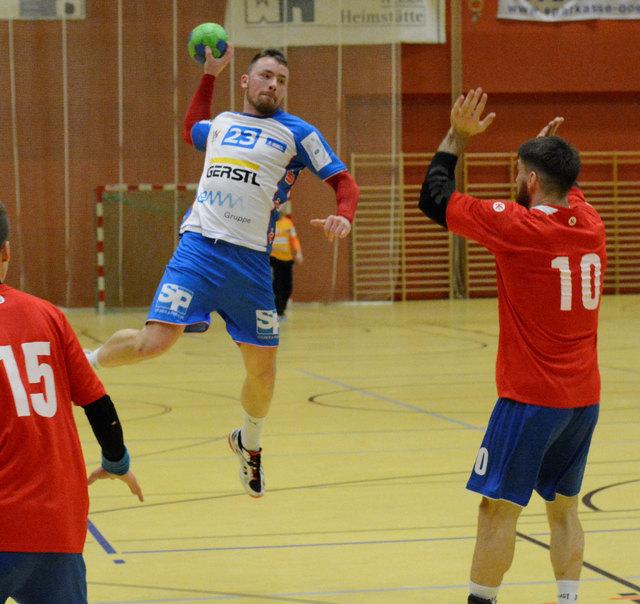 Der Welser Handballer Merdanovic hier in Aktion.