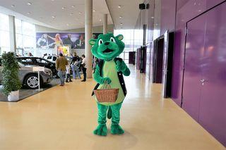 Grawe-Maskottchen auf der AutoEmotion, Grazer Messe