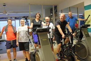 Einige der Teilnehmer beim Training im Massage- und Bewegungsinstitut von Gerhard Redl in Perg.