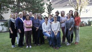 Ende 2017 haben 12 Frauen und zwei Männer die Ausbildung Ehrenamtliche Hospizbegleitung im Tiroler Oberland abgeschlossen.