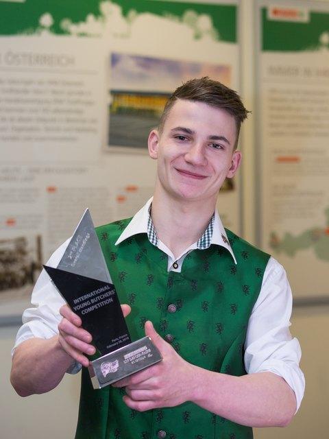 Jubel in St. Marein: Thomas Lengheimer, Mitarbeiter im Tann-Fleischwerk in Graz, holt den Vize-Europameister-Titel.