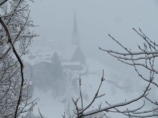 06.03.2018 Blick von der alten Glocknerstraße auf Heiligenblut - es schneit gerade