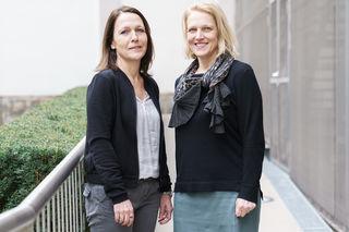 Helene Cibinello und Gleichbehandlungsbeauftragte Sabine Schulze-Bauer (v.l.).