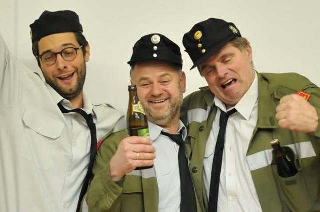 Gut vorbereitet: Bei den Schauspielern der Theatergruppe Steuerberg laufen die Proben auf Hochtouren