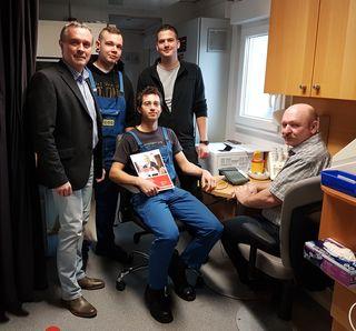 Rudolf Westermayer (AK-Bezirksstellenleiter Mistelbach); Johannes Ackermann (Betriebsratsvorsitzender); Kristan Pfauser (Betriebsrat); Wolfgang Koller (Mitarbeiter Fa.Dvorak) und Walter Müllner (AMZ-Mödling)