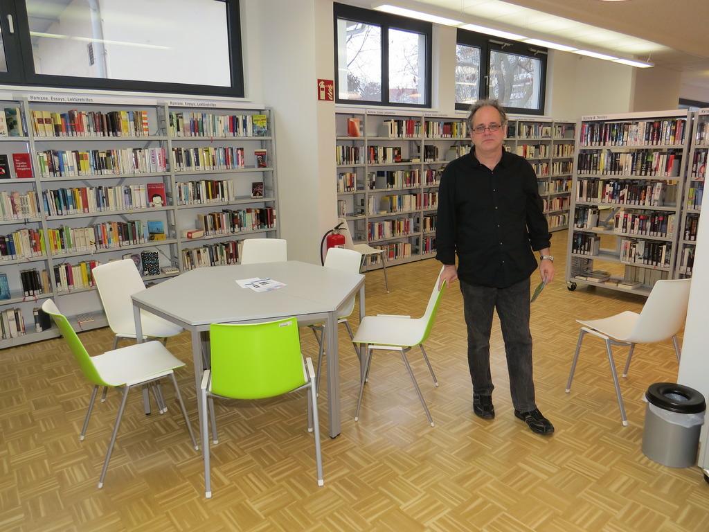 Bücherei Weisselbad Wo Früher Geschwommen Wurde Wird Heute Gelesen