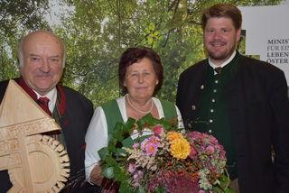 Staatspreis für beispielhafte Waldwirtschaft 2017, Familie Forstlehner, Pabneukirchen, rechts Forstberater Georg Kolodziejczak.