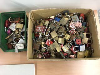 Kisten voller Liebesschwüre.