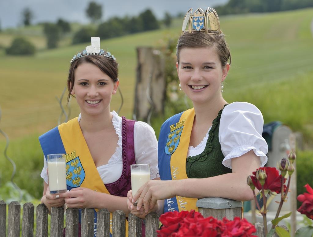 Die Milchhoheiten Daniela I. und Elisabeth I.