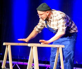 Christoph Seiler als Anton Horvath im Kundler Gemeindesaal.