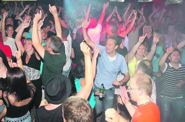 -30 Party Ebbs jetzt gehts in den Partysommer - Kufstein