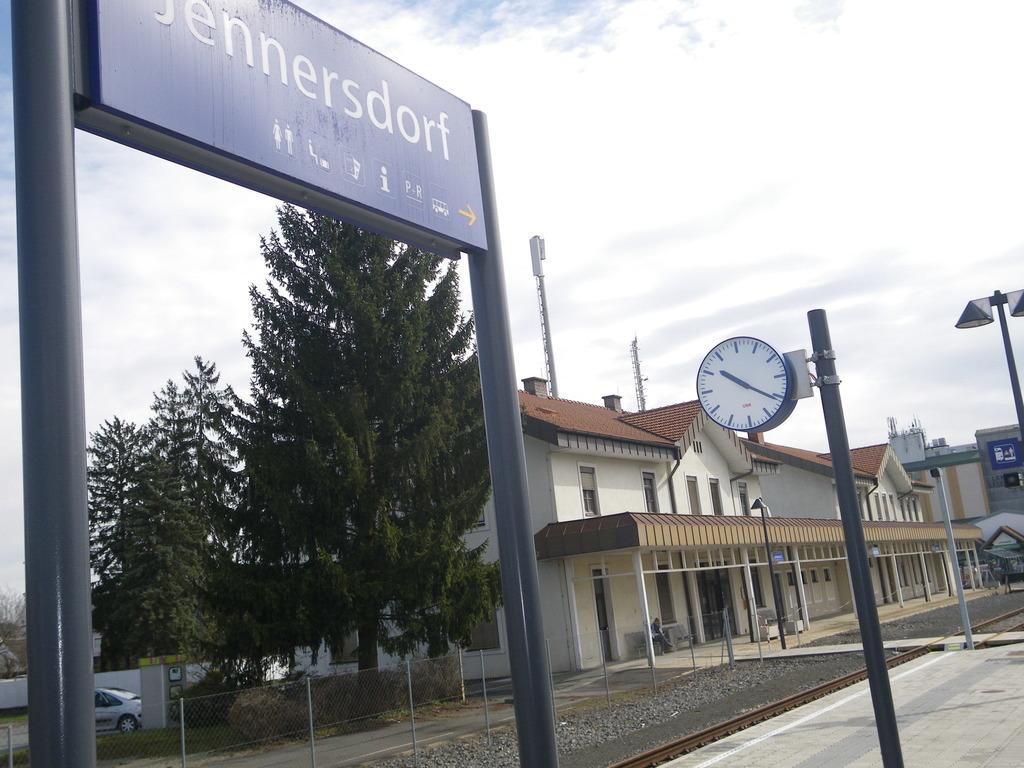 Der Ausbau der Steirischen Ostbahn durch den Bezirk Jennersdorf könnte noch länger auf Eis gelegt bleiben.