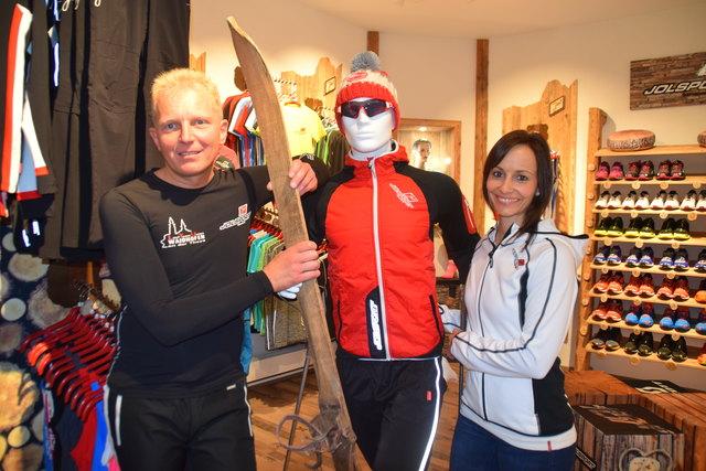 Erich Scharf und Denise Fröhlich (Jol-Shop Waidhofen) sind bei der Fitness-Challenge dabei.