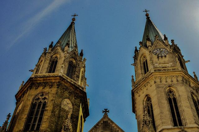 Die Türme der Stiftskirche....