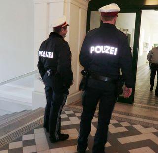 Die beiden Beamten sagten am Landesgericht aus.