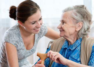 Alltagsbegleitung: Eine stundenweise Betreuung von kranken, betagten Menschen bietet die Volkshilfe Leoben an.