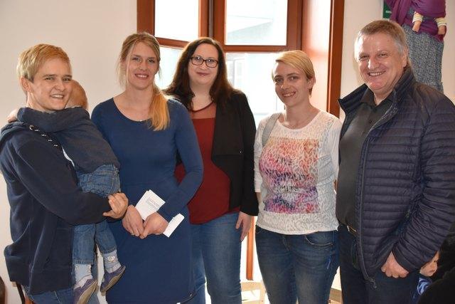Daniela Koren, Verena Tscharf, Isabella Koller, Michaela Krall-Jantschko, Adolf Buchbauer (von links)