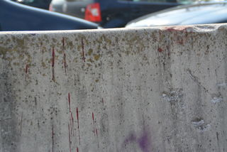 """Zwischen Park & Ride und """"Q-West"""" wurde der 19-Jährige von Unbekannten überfallen – er trug schwere Kopfverletzungen davon."""