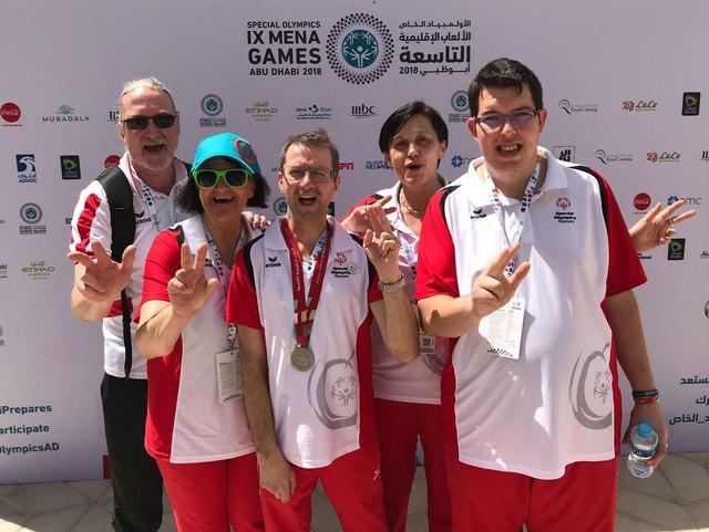 Waltraud Hafner und Special Olympics Österreich Sportdirektor Heinrich Olsen mit den burgenländischen Special Olympics Ahtleten
