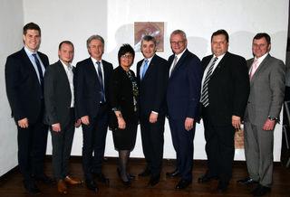 Der wiedergewählte ÖVP-Bezirksobmann Walter Temmel (4. von rechts) im Kreise seiner Vorstandsmitglieder.