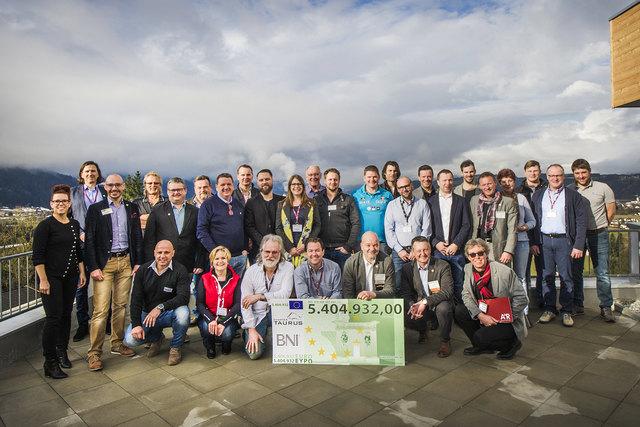 BNI Unternehmergruppe Taurus feiert 5.5. Mio Euro Umsatz nach 2 Jahren. Foto-Zanella-Kux Fotografie