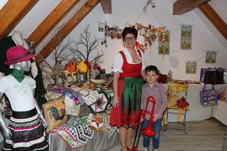 Maria Rozinski und ihr Sohn freuten sich über das rege Interesse in Krottendorf.