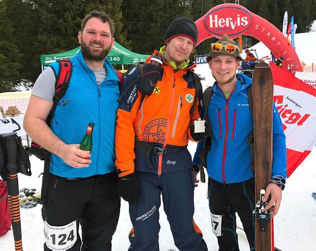 Bei der Skitourengaudi zählt nicht die Bestzeit, es ist einfach nur wichtig, gemeinsam Spaß zu haben.