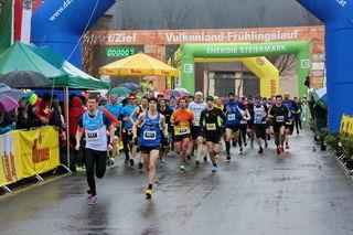 Wetterfest waren die Teilnehmer beim achten Vulkanland-Frühlingslauf, dem offiziellen Startschuss in die Laufsaison.