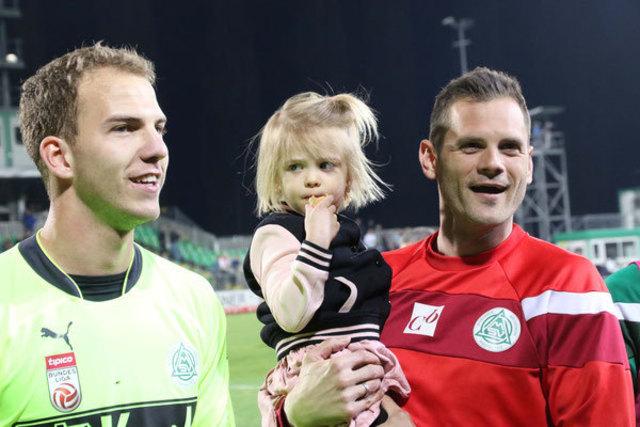 Ein erfolgreiches Duo! SV Mattersburg-Tormanntrainer Thomas Borenitsch (re.) trainiert täglich mit Keeper Markus Kuster (li.).