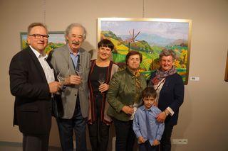 Bgm. Karl Wratschko, August Trummer und Irmgard Wagner mit der Familie Trunk.