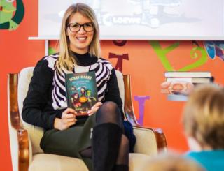 Sonja Kaiblinger ist seit 2015 Vollzeit-Autorin.