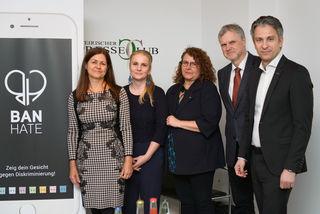 Von links nach rechts: Landesrätin Doris Kampus, Daniela Grabovac (Antidiskriminierungsstelle Steiermark), Susanne Pekler (Neustart), Thomas Mühlbacher (Leiter der Staatsanwalt), Stadtrat Kurt Hohensinner