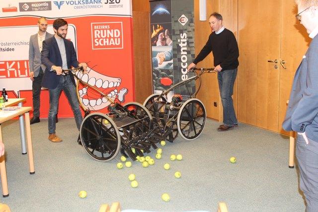 """Die drei Erfinder nehmen auch an der BezirksRundschau-Aktion """"120 Sekunden"""" teil, bei der die beste Geschäftsidee des Landes gesucht wird."""