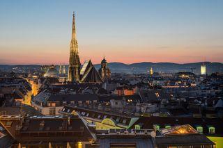 Blick über die Wiener Innenstadt auf den Stephansdom.