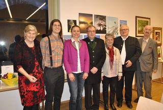 Kathi Horngacher, Christoph Frieß, Bettina Ellinger, Peter Paul Kahr, Maridl Wibmer, Bgm. Josef Haaser und Georg Posch (v.l.).