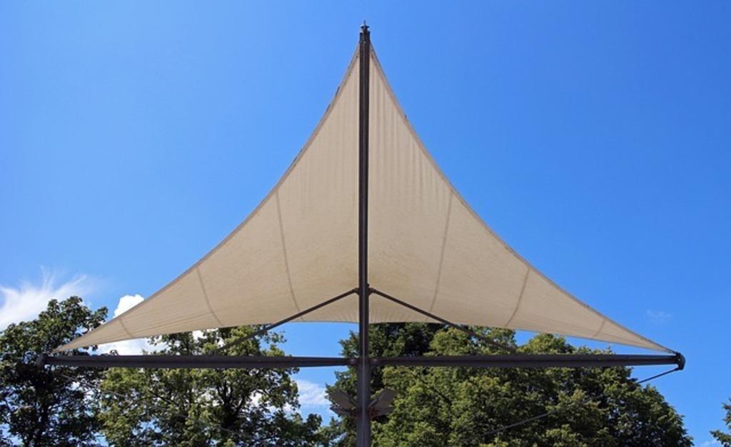 Sonnensegel Fur Die Terrasse Der Moderne Sonnenschutz Fur Zuhause