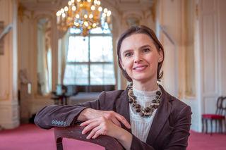 Pionierin an der Spitze: Oksana Lyniv ist Vorbild für junge Musiker. Sie hat unter anderem das internationale Kulturfestival LvivMozArt und das ukrainische Jugendsinfonieorchester gegründet.