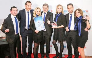 Ausgezeichnet: Die Sparkasse Kitzbühel erhielt den Sparkasse-Award als zweitbeste Sparkasse Österreichs.