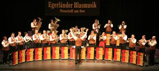 Die Egerländer Blasmusik begeistert mit weltbekannten böhmischen Melodien.