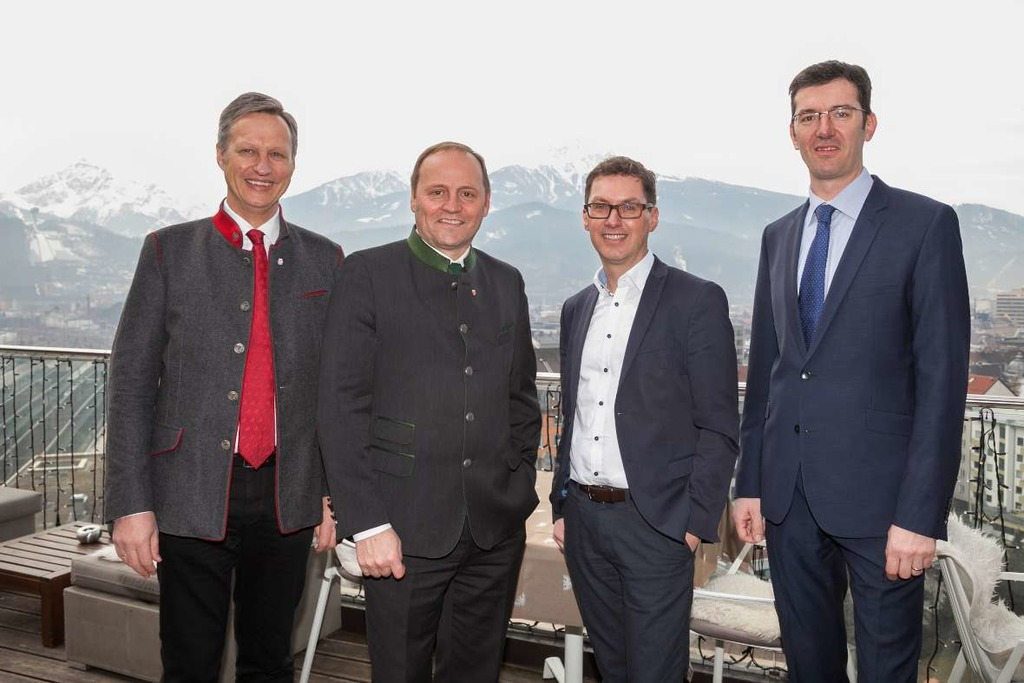 Landesforstdirektor Josef Fuchs, LHStv Josef Geisler, Markus Federspiel (Leiter Abteilung Wasserwirtschaft) und Gebhard Walter (Leiter Sektion Tirol der WLV).