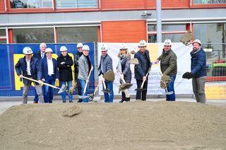 Hier wurde gearbeitet: Die Bürgermeister der Verbandsgemeinden und die Planer beim Spatenstich!