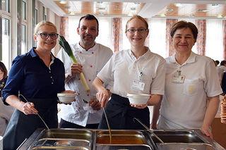 Kochen, schmecken lassen, gutes tun: Monika Covica, Küchenchef Martin Keinrath, Eva Gegendorfer und Bettina Hanesl