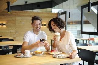 Um den Kaffee zu personalisieren, müssen Baguette-Kunden lediglich die Ripple Maker App auf ihr Handy laden.