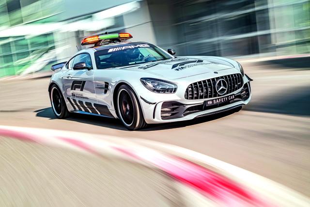 Das Safety Car muss extremen Anforderungen gewachsen sein – der 585 PS starke AMG GT R ist dafür bestens gerüstet.