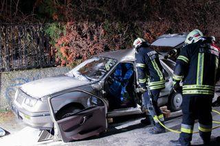FF Kritzendorf und Rotes Kreuz übten für einen Verkehrsunfall mit eingeklemmten Personen.