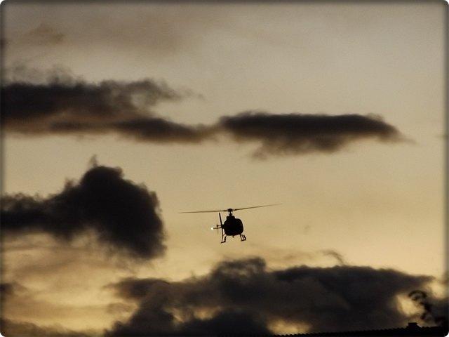 Eine erste Alarmfahndung, bei der auch Hubschrauber mit Nachtsichtgerät eingesetzt wurde, blieb erfolglos.