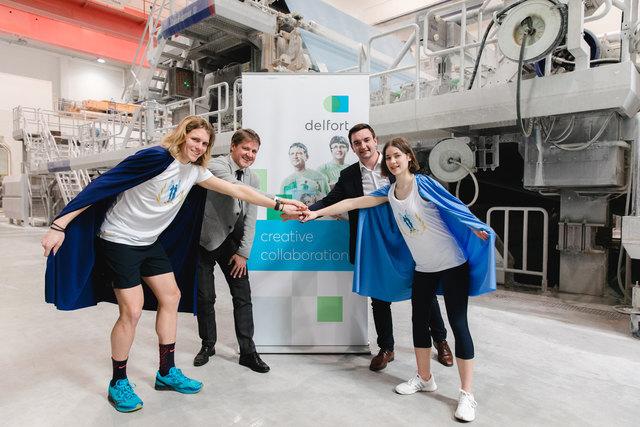 Dr. Franz Feurstein GmbH-Geschäftsführer Mag. Christoph Wachter (2. v. l.) freute sich über den Besuch von Citymanager Ing. Karl-Heinz Koll (3. v. l.) und den beiden Helden Benni und Hannah.