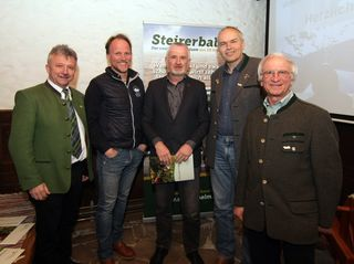 V.l.: Schriftführer Dr. Harald Moser, Töchterlehöf-Geschäftsführer Christian Böhler, Obmann Peter Flaggl, Obm-Stv. Hans Hofer, Gf. Mag. Josef Hirt
