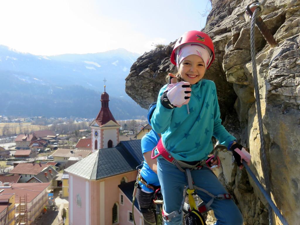Die 7 Jährige Nora Zum Ersten Mal Mit Uns Am Klettersteig Die