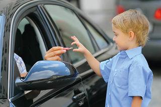 """Unter dem Motto """"Pass gut auf dich auf"""" gibt die Landespolizei Niederösterreich im Rahmen der Aktion """"Kinderpolizei"""" Eltern Tipps um Kinden den richtigen Umgang mit """"fremden Personen"""" beizubringen."""